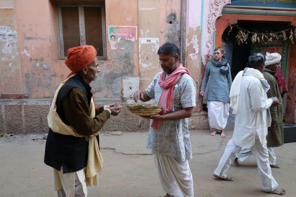 Jatipura turban prasad